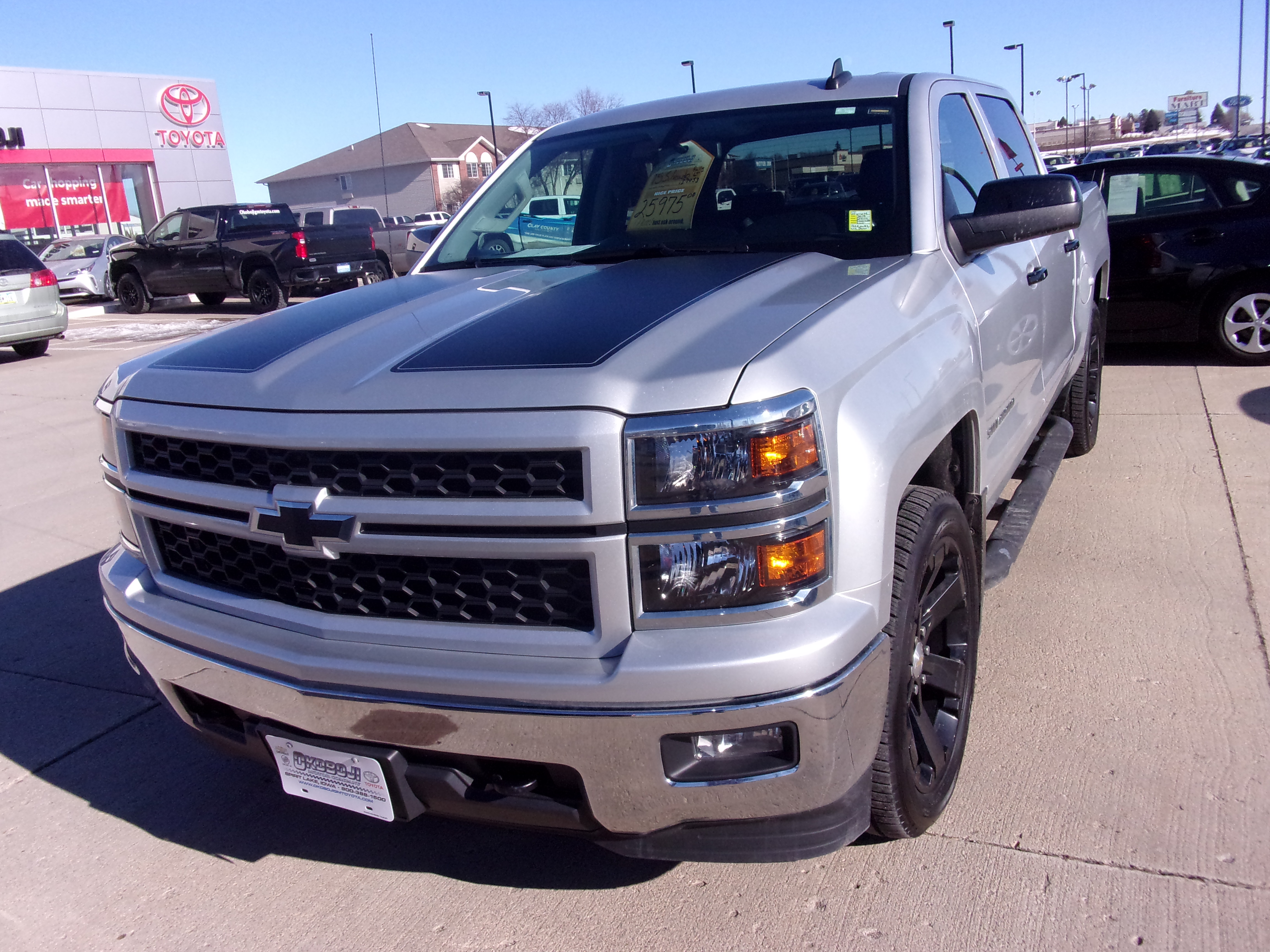 Pre-Owned 2015 CHEVROLET SILVERADO 1500 LT 4WD Pickup - Full Size